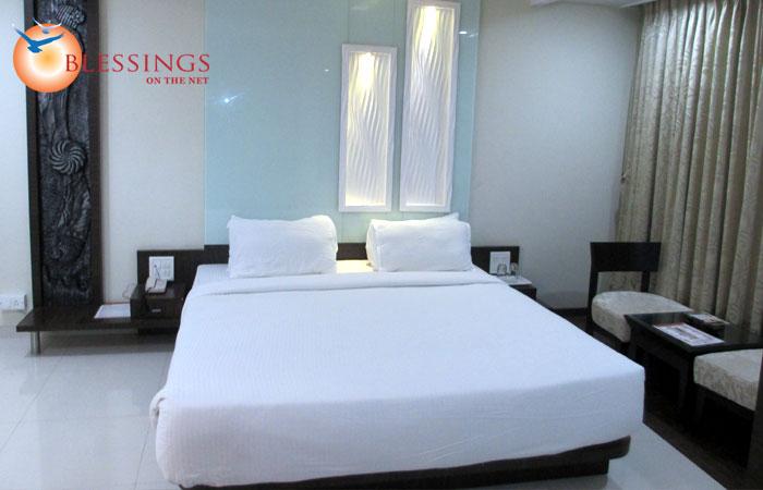 Hotel Om Sai International Shirdi