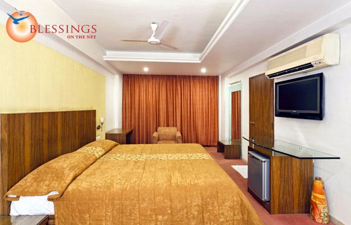 Hotel Pearl, Kolhapur