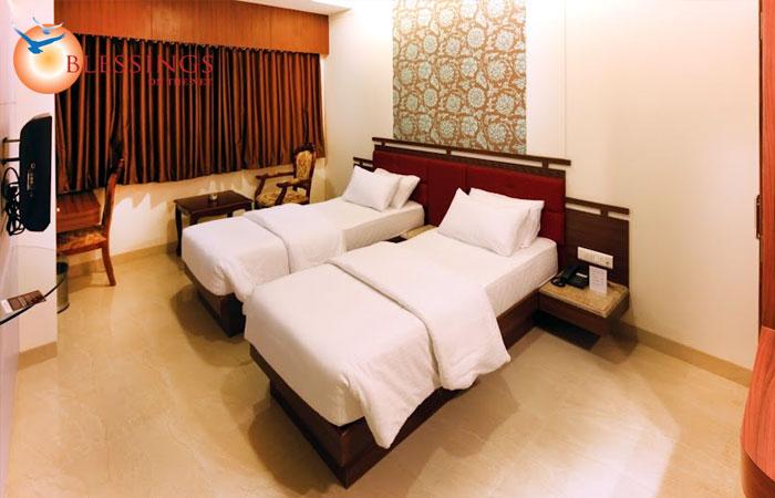 Hotel Seven Heaven, Nashik