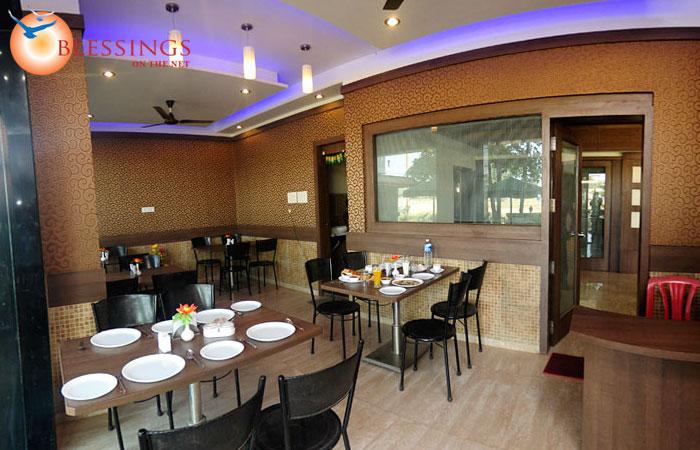 Hotel Laxmi Palace Shirdi Restaurant