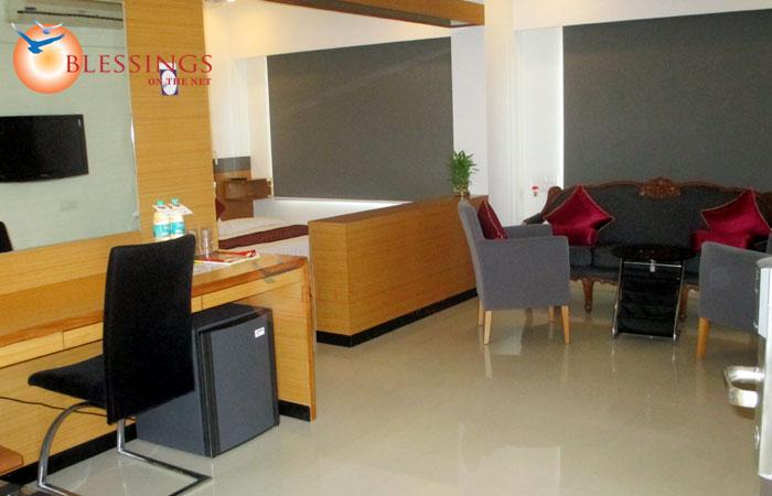 Hi5 Hotel, Nashik
