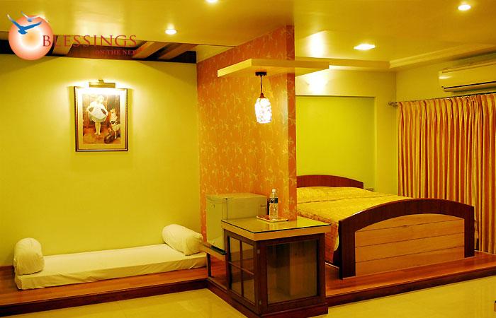 Hotel Kohinoor Square, Kolhapur