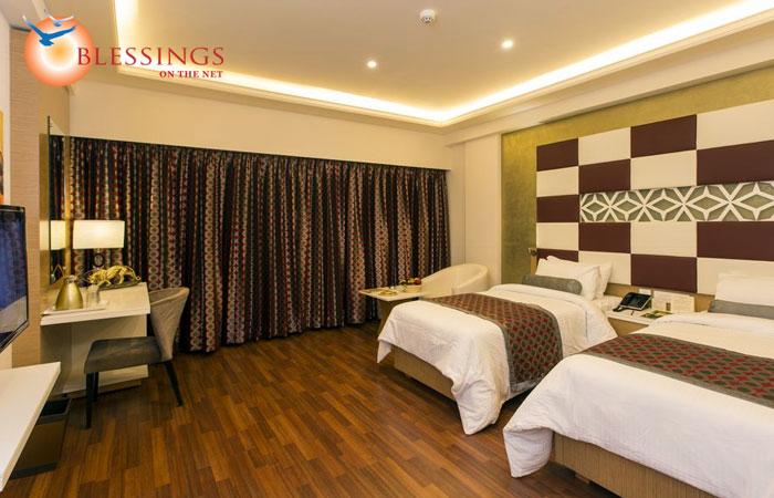 Comfort room twin bed