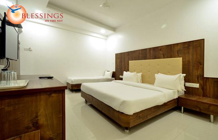 Hotel Dwarka Park, Shirdi