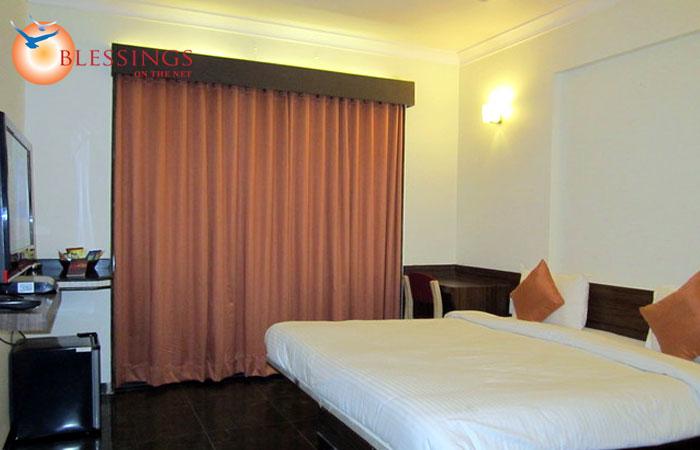 Hotel KBs Grand Shirdi
