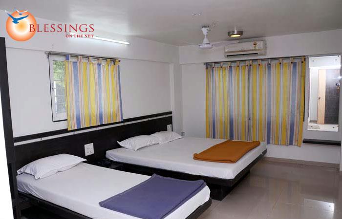 Hotel Palms Residency