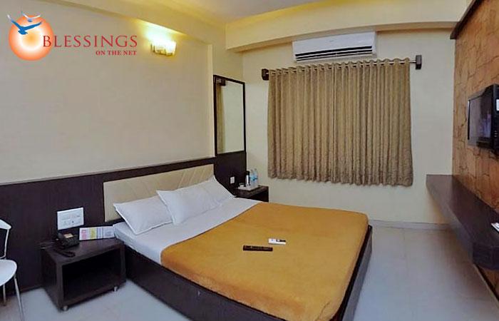 Hotel Sai Gurusthan, Shirdi