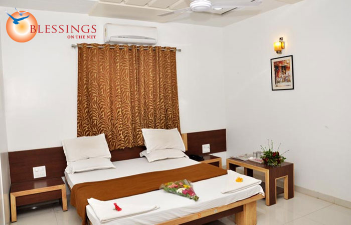 Hotel Anand Heritage, Shirdi