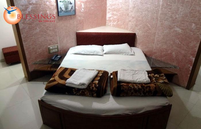 Hotel Aishwarya, Pandharpur