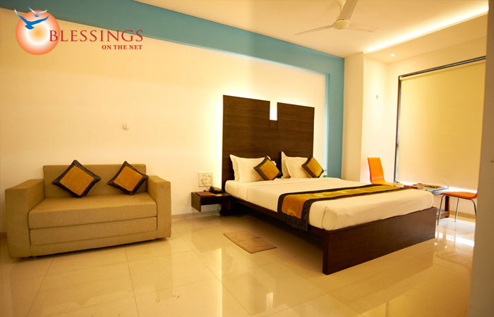 Hotel Golden View, Shirdi