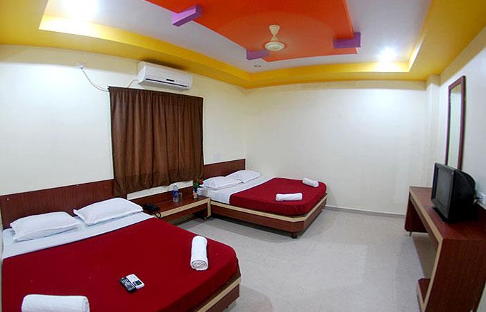 Hotel Sai Aditya Shirdi Hotels Near Shirdi Saibaba Temple Maharashtra