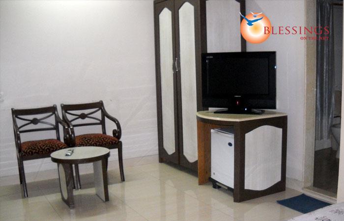 Hotels near siddhivinayak temple mumbai maharashtra for Accord asian cuisine