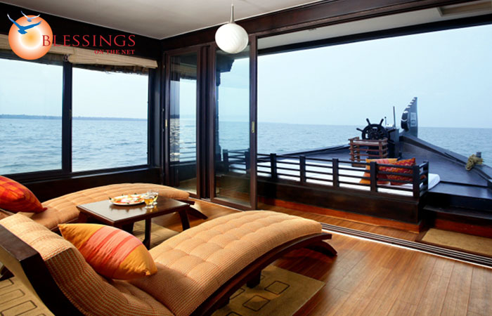Luxury House Boat