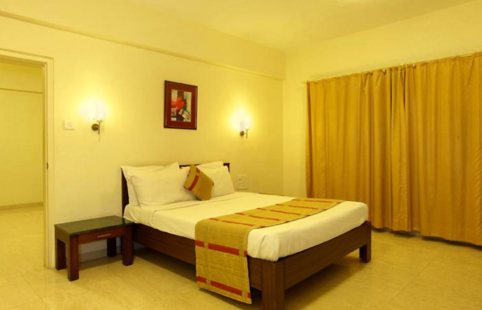 Sun-n-Sand Shirdi Apartment