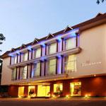 Hotel Devaragam
